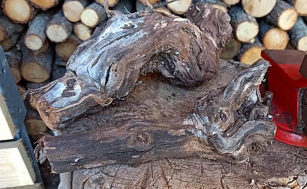 Rebenholz ist zum Kalträuchern gut geeignet.